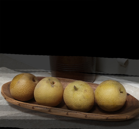 nashi-pears-with-black.for-web2jpg